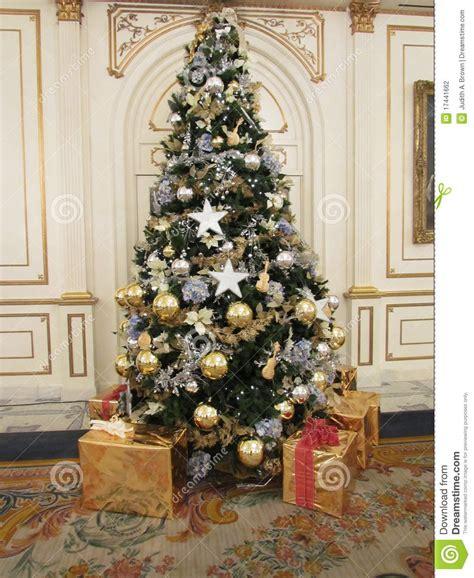Geschmückt Modern by 193 Rbol De Navidad Foto De Archivo Imagen De Elegante