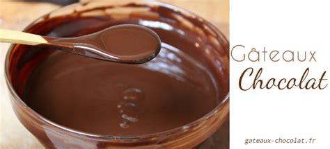 glaçage au chocolat facile à la crème fraîche