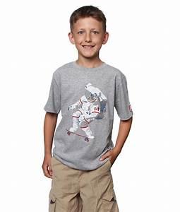 Chris Hadfield Skateboarding Astronaut Boy's T-Shirt | 60 ...