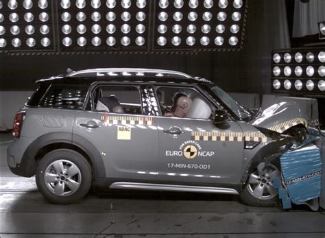 crash test si鑒e auto crash test a 5 stelle per mini countryman skoda kodiaq e nissa micra qn motori