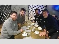 Cesc Fàbregas se reencuentra con Messi y Piqué en Barcelona