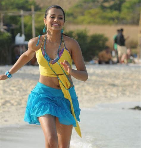 Trisha Hottest Spicy Stills Beach