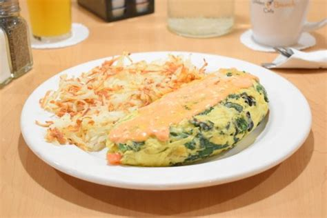omelettes golden brunch