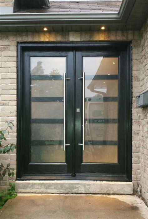 modern fiberglass smooth doors  laser cut door lites