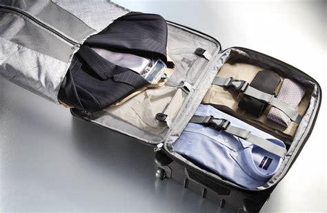 comment plier costume dans une valise conseils voyage