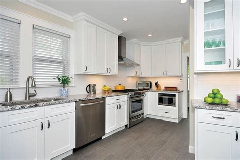 kitchen cabinets in ct andover white kitchen cabinets bargain outlet 6126
