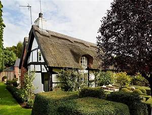 Dreamy 18th-Century English Cottage Acquires an Inspired
