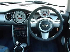 Mini Cooper Interieur : mini cooper s hatchback review 2002 2006 parkers ~ Medecine-chirurgie-esthetiques.com Avis de Voitures