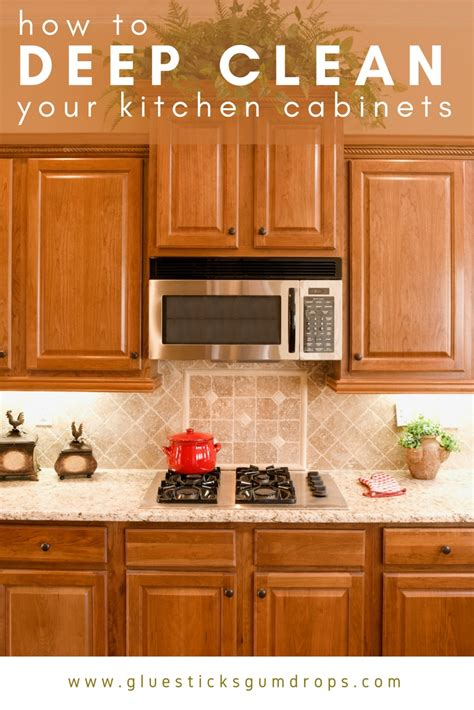 How To Clean Kitchen Cupboards how to clean kitchen cabinets to get rid of grime and clutter