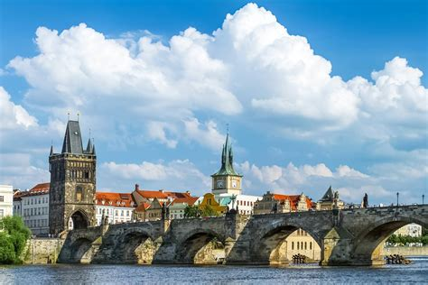 Charles Bridge Masterpiece Of Medieval Architecture In