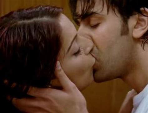 bollywood actress lip kiss images bollywood hot lip lock colletions a movie book