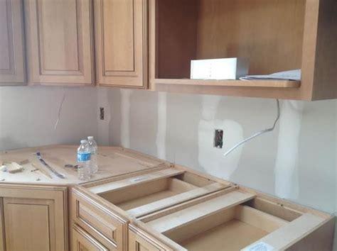 best way to install under cabinet lighting need help with under cabinet led lighting