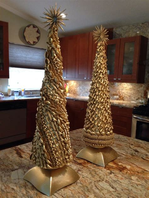 My girlfriend, Kerry & I made pasta Christmas trees. We ...