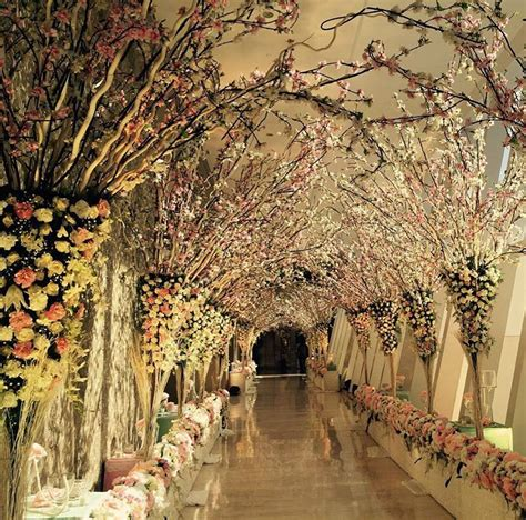 13 Beautiful Wedding Entrance Decor Ideas That You Need To