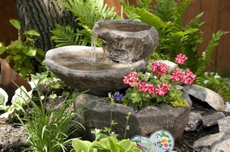 Wasserspiele Für Den Garten by Genial Brunnen F 252 R Den Garten Aus Stein Stufen Wasserspiel
