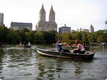 Central Park Rowboat Rental by Really Want To Rent A Row Boat Or Paddle Boat In Central
