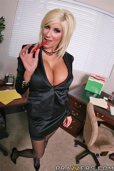 Sexy Secretary Puma Swede Wants What Every Xxx Dessert