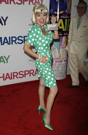 photo coverage guest arrivals  ny hairspray premiere