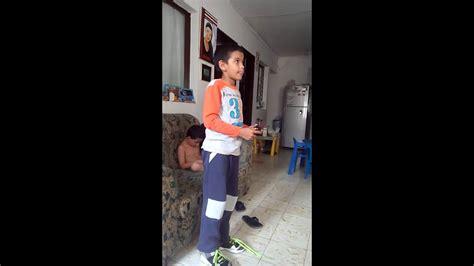 Check spelling or type a new query. Un niño jugando xbox 360 - YouTube