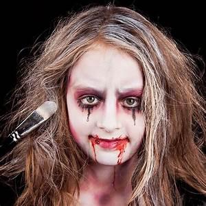 Zombie Schminken Bilder : vampirgesicht schminken kind halloween pinterest fasching halloween und vampire ~ Frokenaadalensverden.com Haus und Dekorationen