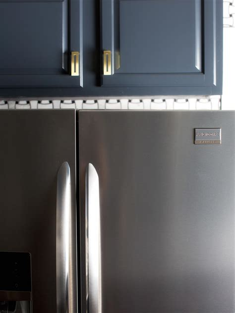 Modern Kitchen Cabinets: Pictures, Options, Tips & Ideas