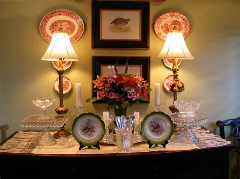 Dining Room Sideboard Decorating Ideas by How To Make Dining Room Decorating Ideas To Get Your Home