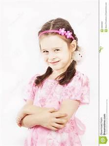 Schönes 10 Jähriges Mädchen : das kleine h bsche m dchen das sch nes rosa kleid tr gt l chelt stockfoto bild 53660902 ~ Yasmunasinghe.com Haus und Dekorationen