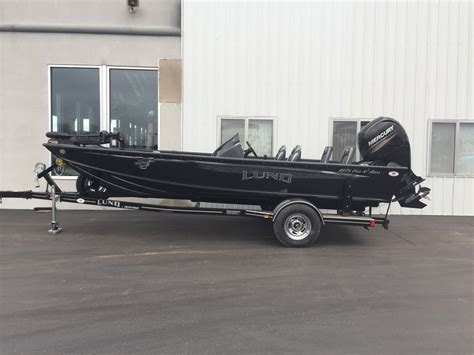 Center Console Bass Boats For Sale by Lund 1875 Pro V Bass Center Console Boats For Sale Boats