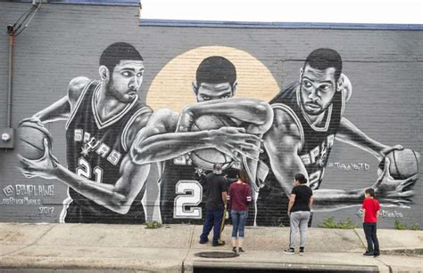 Murals honoring Spurs greats at South Side bar are