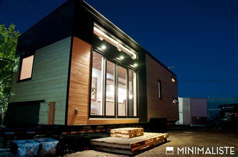 le ch 234 ne une mini maison sur roues par l entreprise qu 233 b 233 coise minimaliste joli joli