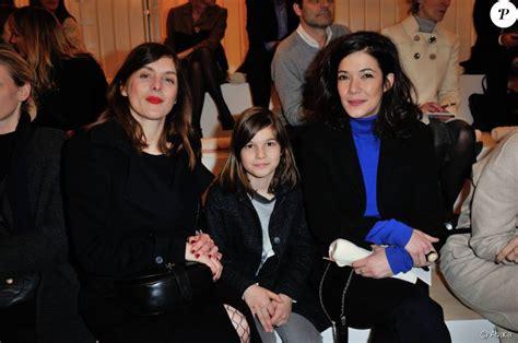 melanie doutey valerie donzelli et sa fille assistent 224 la presentation bonpoint a