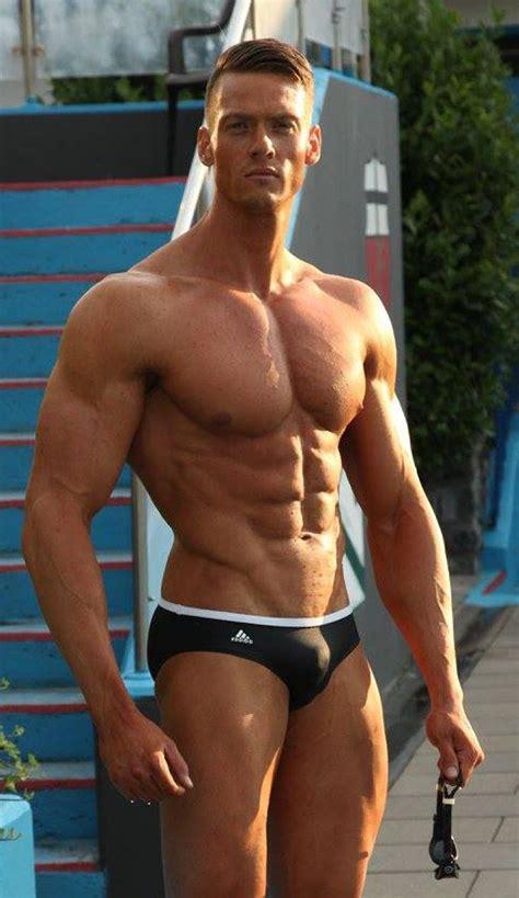 speedo bulge jocks 筋肉 競パン 男 big muscles in 2019 shirtless muscular