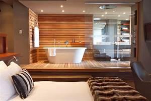 Modern bathroom design: Open-plan suite SA Garden and Home