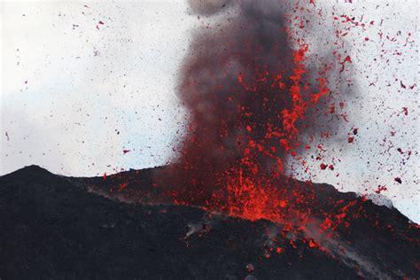 ein video ueber einen vulkanausbruch