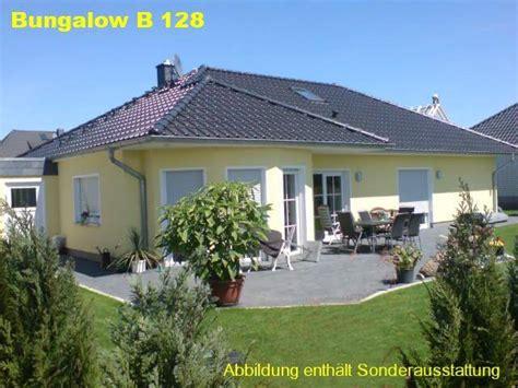 Moderner Bungalow Mit Garage by ᐅ Bungalow Bauen 208 Bungalows Mit Grundrissen Preisen
