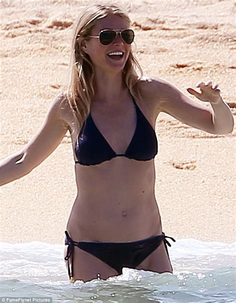 noa tishby swimsuit gwyneth paltrow and brad falchuk show off bodies in mexico
