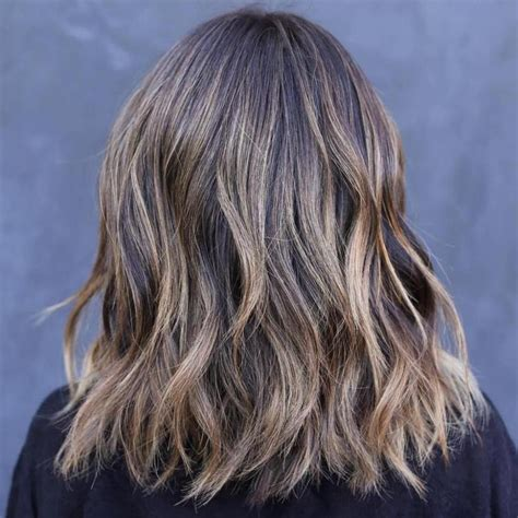 50 Best Medium Length Layered Haircuts in 2020 (With