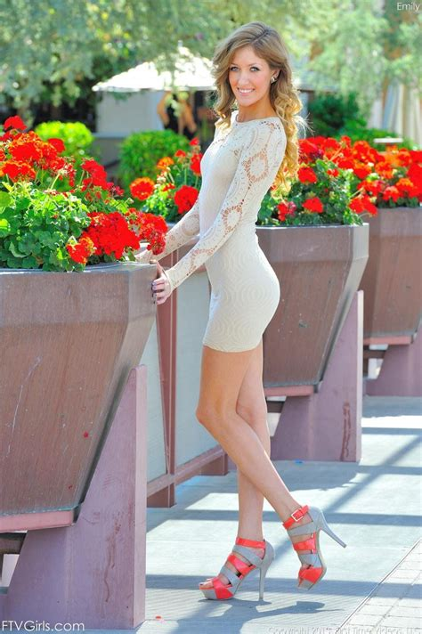 Lookatmeinmytightdress Emily Kae Who Went To High School With One Of The Blogs Followers