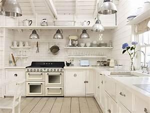 Hängeschrank Küche Landhausstil : smeg standherd in creme k che pinterest standherd landhausstil und landh user ~ Indierocktalk.com Haus und Dekorationen