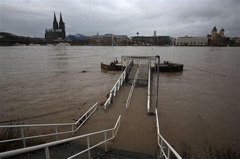 hochwasser  deutschland unwetter stoppt schifffahrt