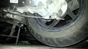 Changement Courroie Scooter 50cc : regler le frein du variateur sur un scooter astuce deux roues youtube ~ Gottalentnigeria.com Avis de Voitures