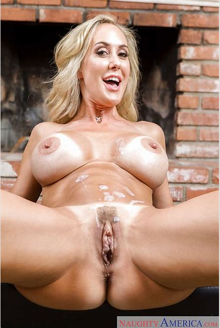 Busty blonde MILF Brandi Love sporting creampie after giving bj and titjob - PornPics.com