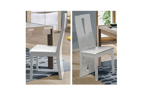 chaise cuir blanc chaise de repas blanche laquée assise en simili cuir