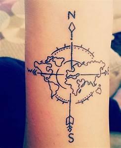 Tatouage Homme Petit : 1001 id es tatouage voyage pour des souvenirs grav s ~ Carolinahurricanesstore.com Idées de Décoration