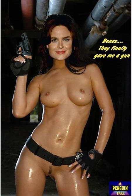 Emily Deschanel Naked Bones Fake « CelebrityFakes4u.com