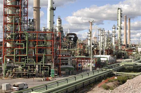 Development and optimizing of refining processes