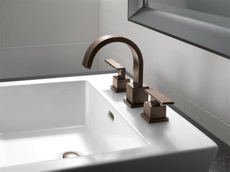 delta bathroom sink faucet installation delta 3553lf bathroom faucet build com