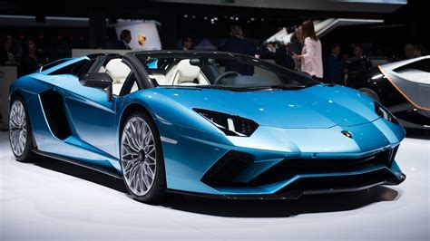 lamborghini aventador  roadster top speed