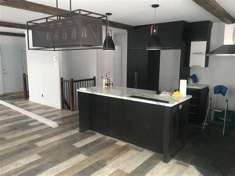 recouvrement armoire de cuisine cuisine plancher bois de grange construction d st onge