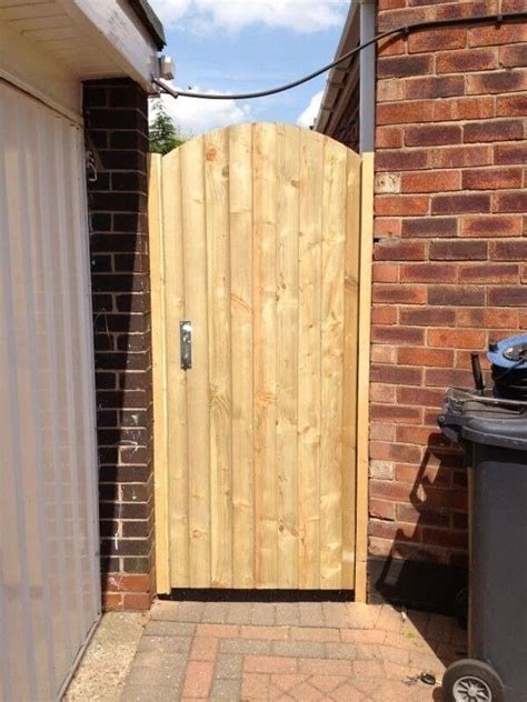 soild wooden backside garden gates driveway gates